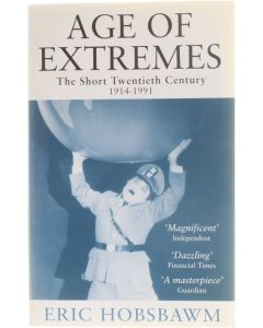 Age of Extremes [Paperback] Eric Hobsbawm [2002] 9780349106717